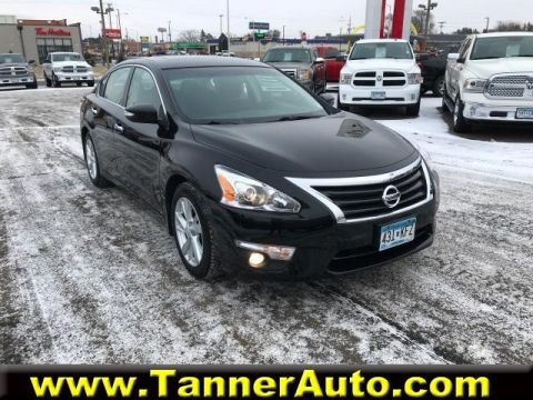 Pre-Owned 2013 Nissan Altima 4dr Sdn I4 2.5 SV