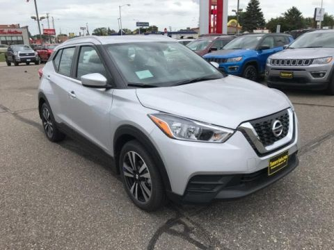 New 2018 Nissan Kicks SV FWD